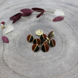 Wink Buttons Black - Rust
